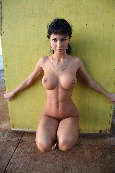 Подборка снимков дамочек с обнажёнными сиськами секс фото и порно фото