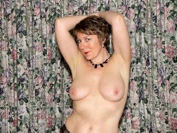 Подборка домашних снимков обнажённых цыпочек секс фото и порно фото