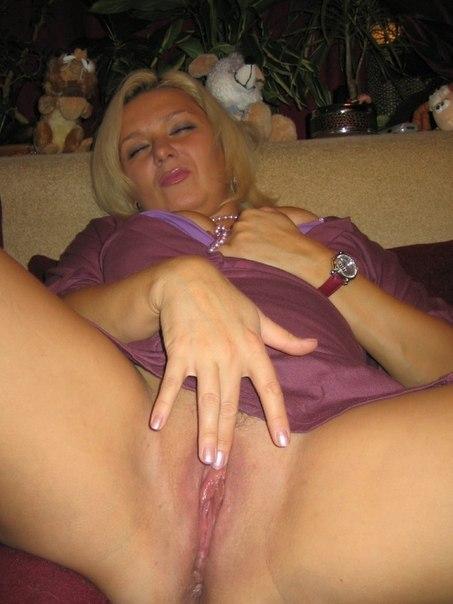 Любительская эротика с фигуристыми домохозяйками секс фото и порно фото