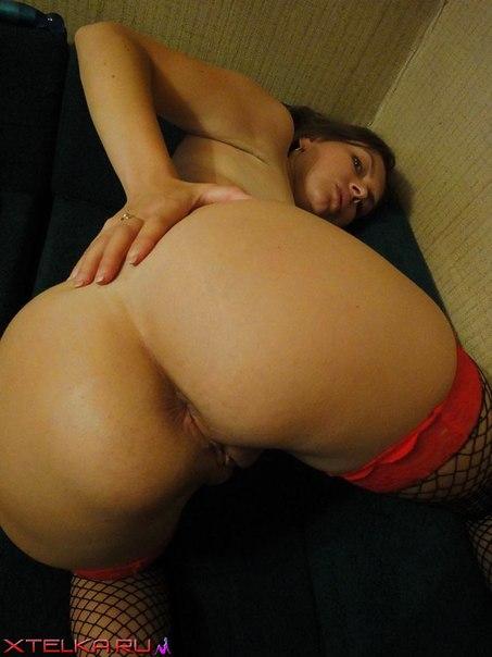 Русская мамочка в чулках показывает сочное тело секс фото и порно фото