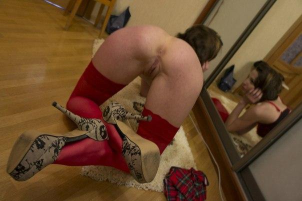 Сексапильные мамочки показывают сочные жопы в разнообразных позах секс фото и порно фото