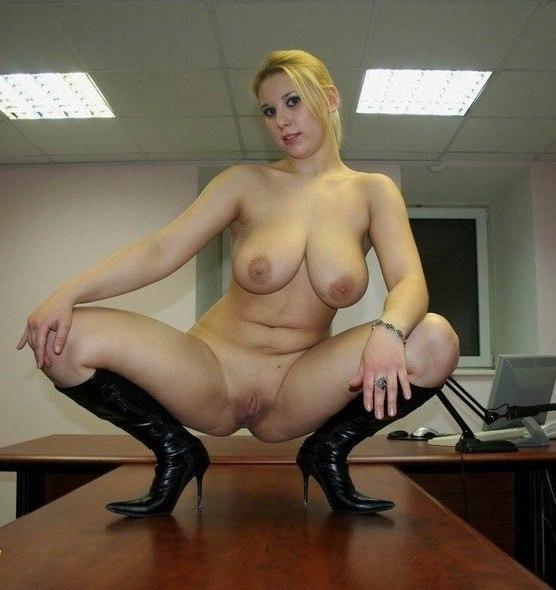 Зрелые любовницы с удовольствием позируют голыми секс фото и порно фото