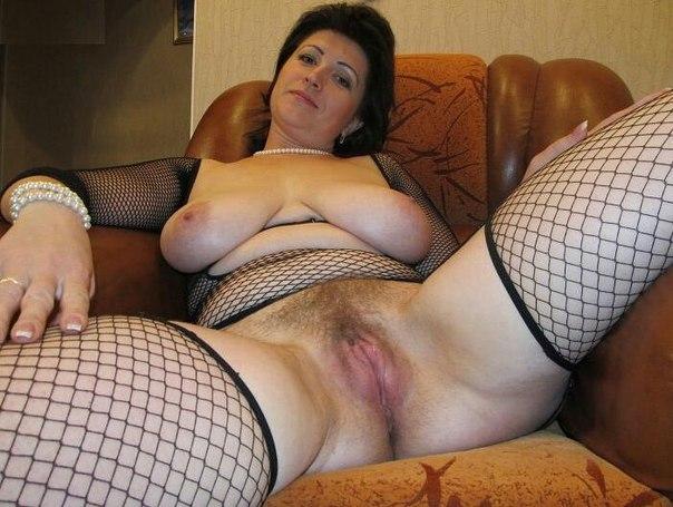 Сладострастные мамочки светят большими жопами и сиськами секс фото и порно фото