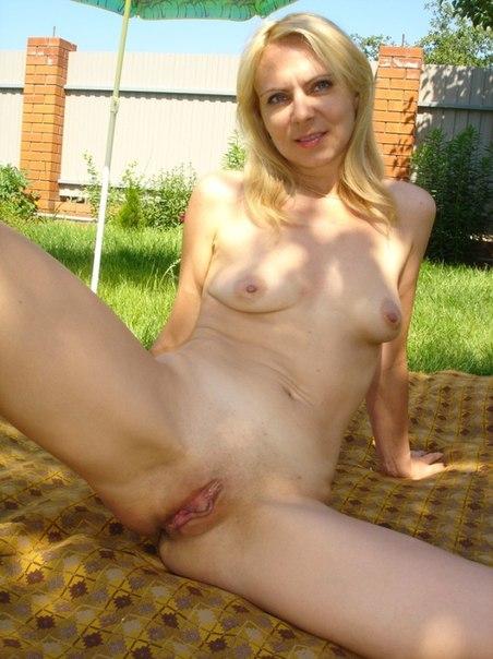 Страстные жены фотографируются голыми для своих мужей секс фото и порно фото