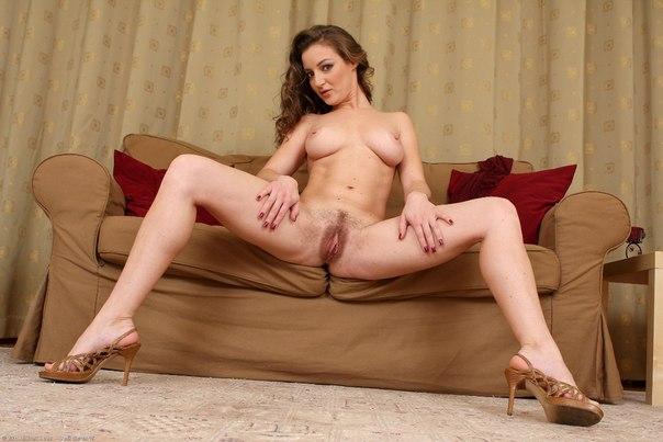 Сексуальные женщины за 30 сверкают голыми телами дома секс фото и порно фото