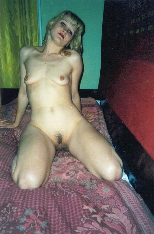 Голые дамы показывают сексуальные тела дома секс фото и порно фото