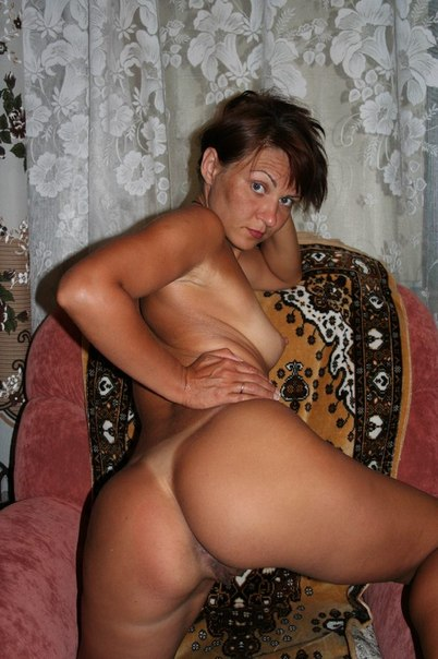 Похотливые мамочки показывают большие жопы и сиськи всем желающим секс фото и порно фото