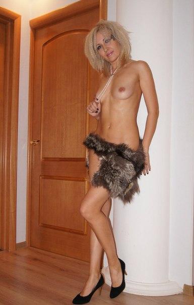 Беспардонная блонда любит возбуждать своим идеальным телом секс фото и порно фото