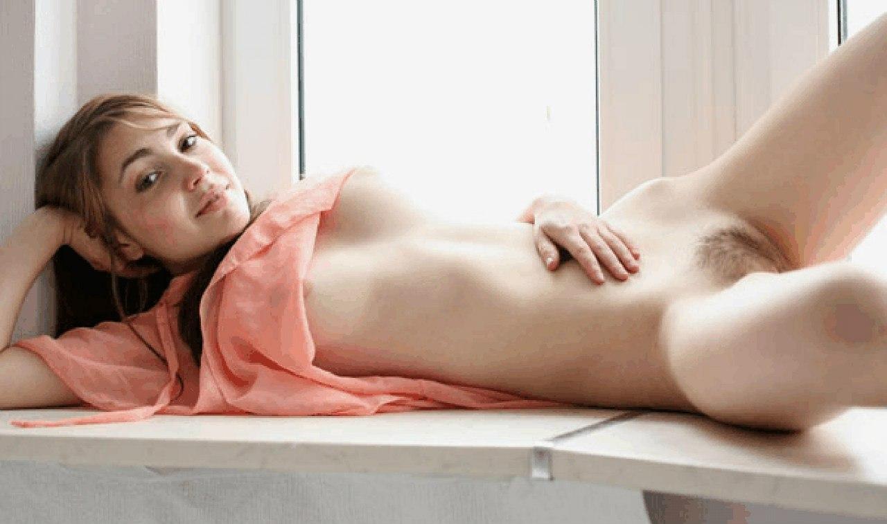 Хрупкие стервы показали сочные вагины секс фото и порно фото