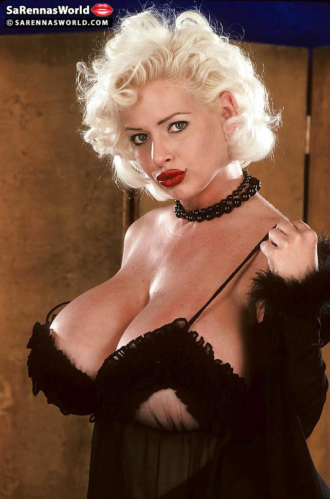 Пышногрудая фифа оголилась для бурного секса секс фото и порно фото