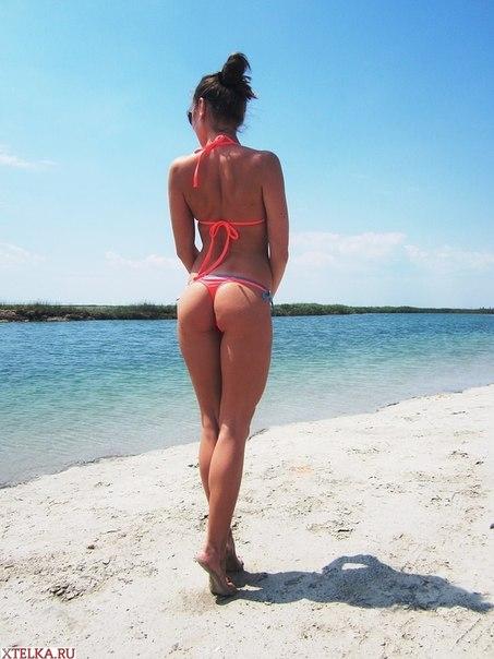 Сексуальные девушки в купальниках на пляже секс фото и порно фото