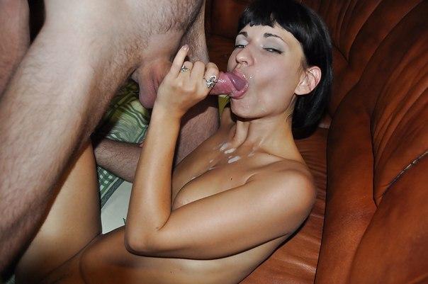 Сексапильная брюнетка любит трахаться на бильярдном столе секс фото и порно фото