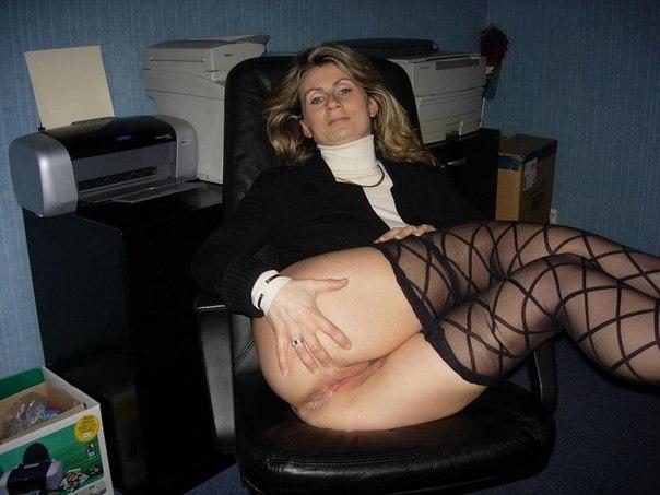 Распутные леди отставляют попы и получают стоячими пенисами во все дырки секс фото и порно фото