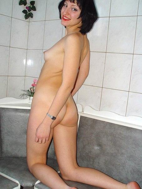 Мамаша стянула трусики и приготовилась к сексу секс фото и порно фото