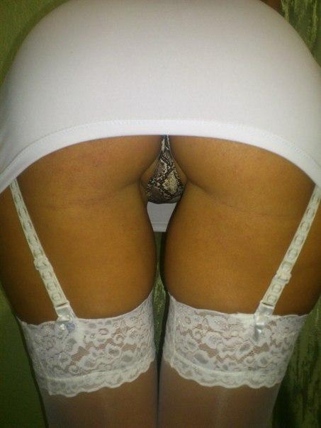 Швеи спустили трусики и получили заряд спермы во влагалище секс фото и порно фото