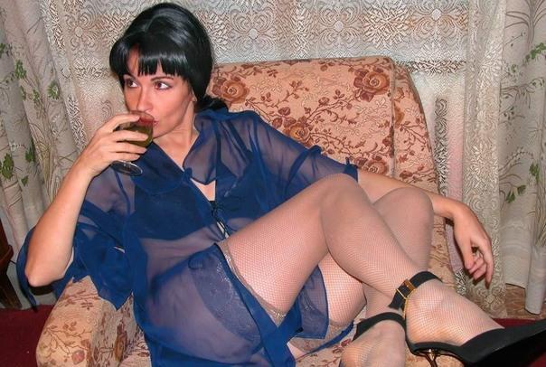 Разгоряченные мамаши демонстрируют киски перед поркой секс фото и порно фото