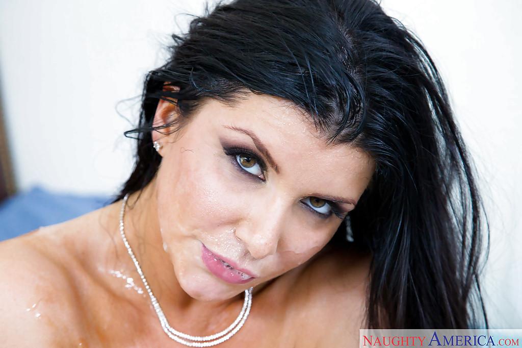 Грудастая дама занялась с супругом оральными ласками секс фото и порно фото