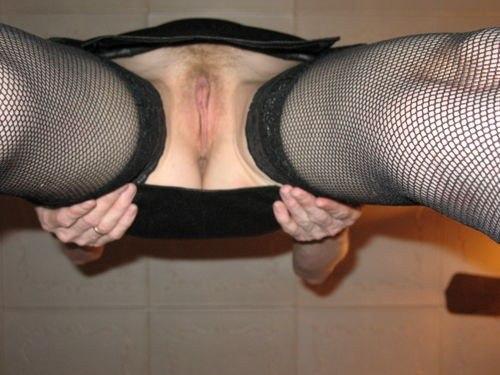 Разгоряченные милашки забыли надеть трусики секс фото и порно фото
