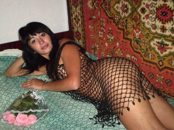 Сучки сняли нижнее белье перед ухажерами секс фото и порно фото
