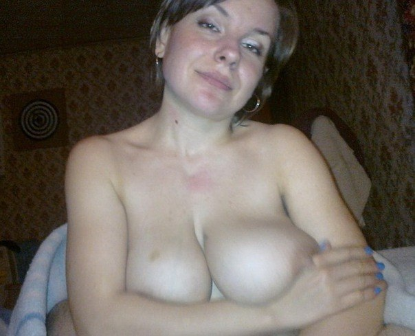 Очаровательные милашки показали большие бюсты секс фото и порно фото
